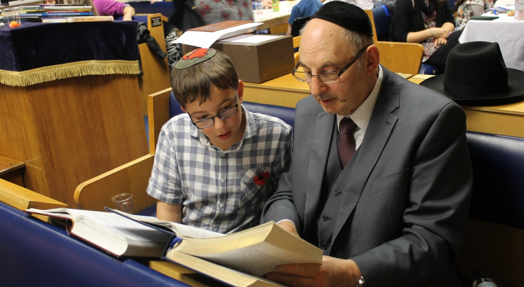 31st October 2015: Children enjoy a post-Shabbat study session with their parents and grandparents @Allerton Hebrew Congregation