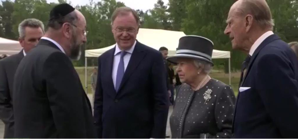 Chief Rabbi Mirvis meets the Queen and Prince Philip